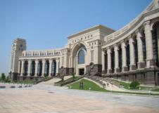 上海复旦大学经济学院EMA中国经济项目迅速发展
