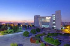 上海大学:211工程全国重点大学,八成毕业生留在上海工作